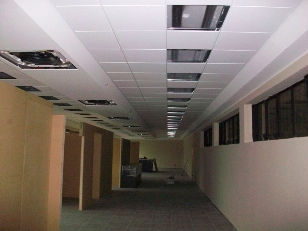 Illuminazione Controsoffitto Abitazione: Soluzioni di arredo: casa privata.